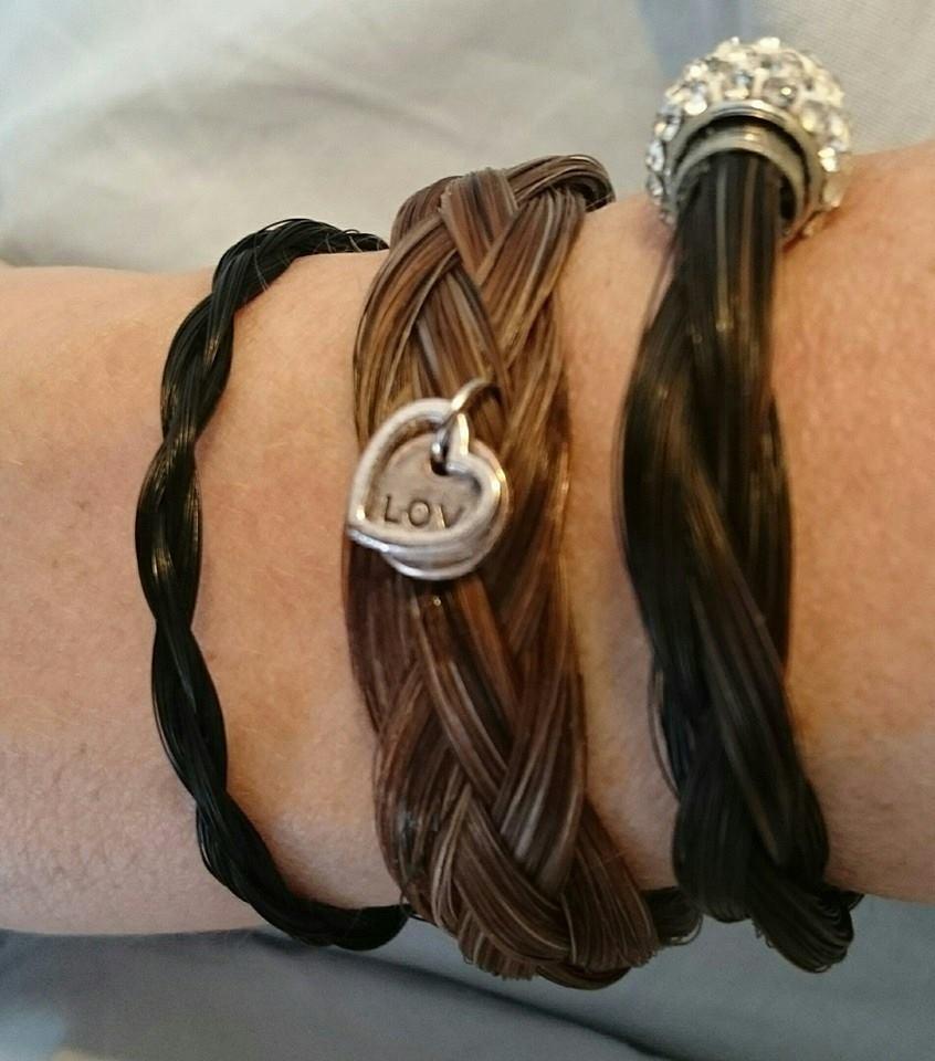 3 armbanden rond, plat en rond gevlochten. Ibrahim en Ilion